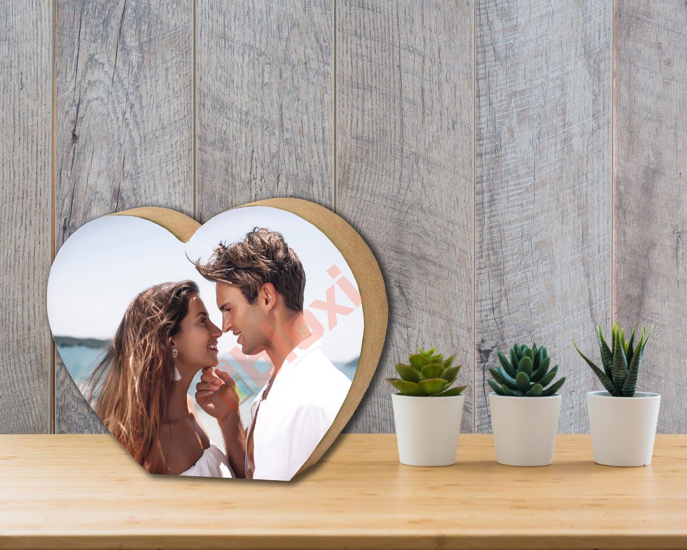 הדפסה על בלוק עץ בצורת לב